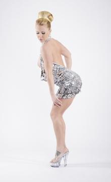 Samira Summer Dildo Shows