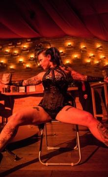 Burlesque Shows - Champagnerglas Shows Sachsen