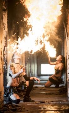 Feuer Strip - Feuerspuckerin Salzgitter
